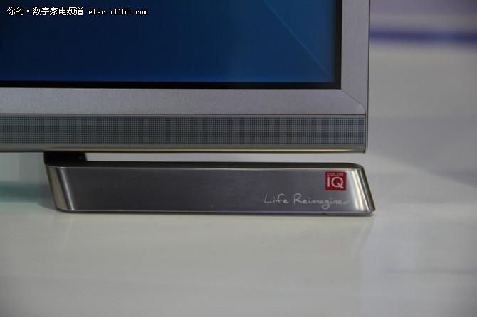 情怀落地 海信发55寸ULED曲面电视新品