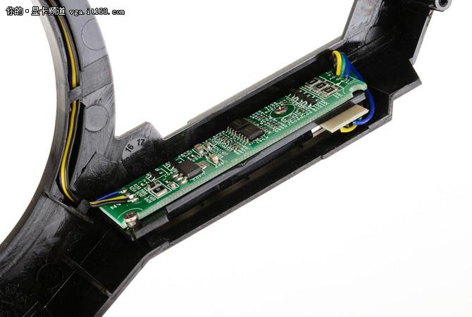 显卡介绍:镭风 R9-380 Ustorm-4GD5