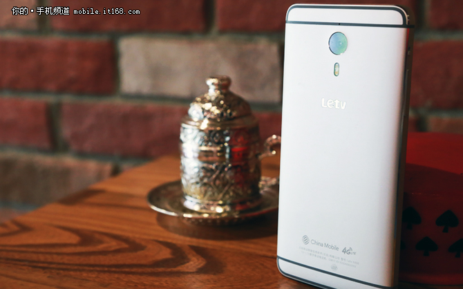 最便宜的骁龙810手机 乐1Pro仅售1570元