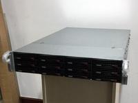 多盘位高性能 万由机架式12盘NAS评测