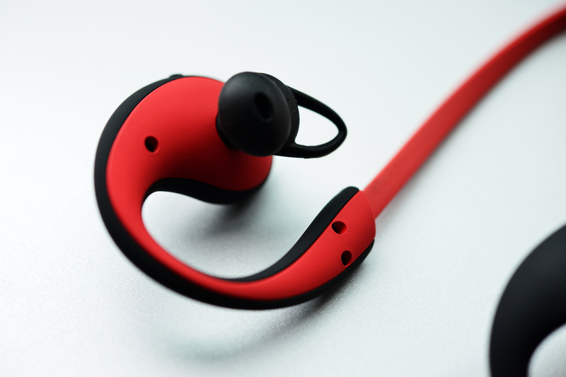 自带计步器 MOGCO摩集客运动耳机试玩