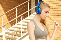 听力保护+可调低音 万魔智能头戴式耳机