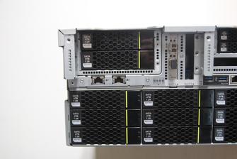?华为5288 V3服务器外形介绍