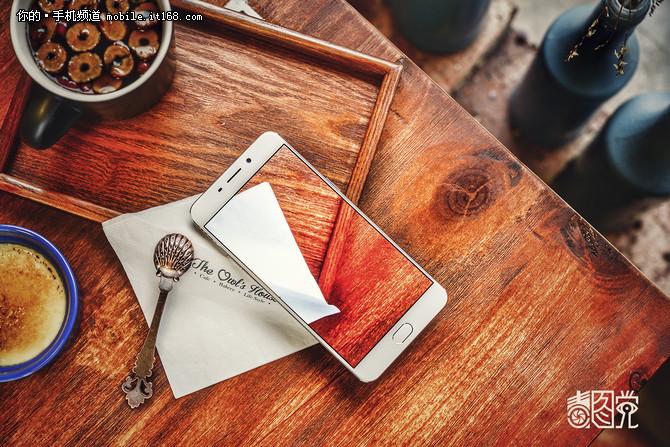 艺术品般精致 市售热门高颜值手机盘点
