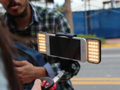 LED风扇加持 首款自动伸缩自拍杆发布
