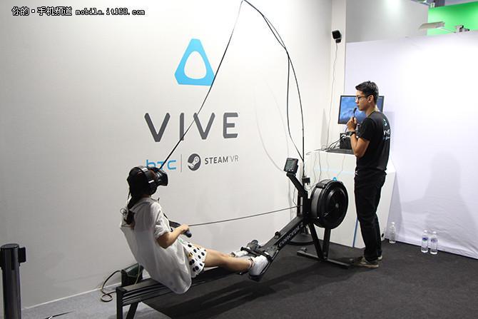 众人围观 HTC携VIVE亮相2016台北电脑展