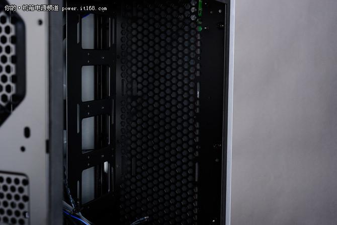 超高颜值+全能MOD 金河田V10机箱评测