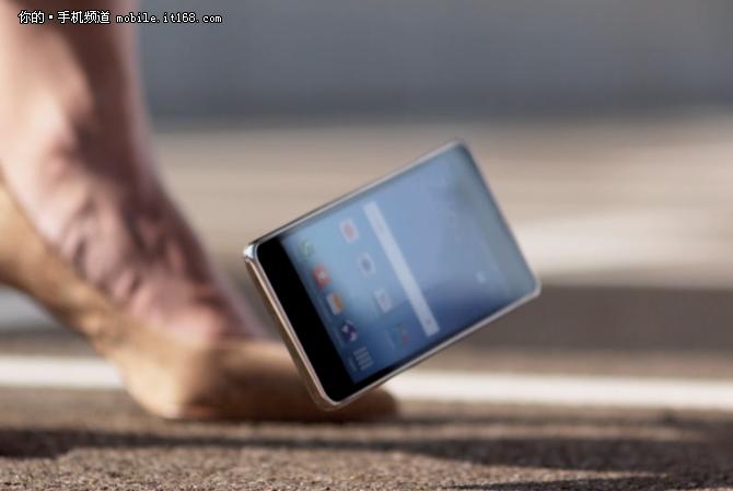 手机不怕摔 康宁第五代大猩猩玻璃发布