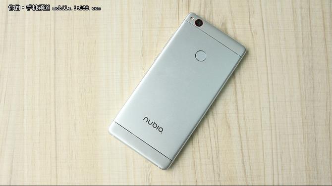 无边框努比亚Z11 引领手机摄影平民化