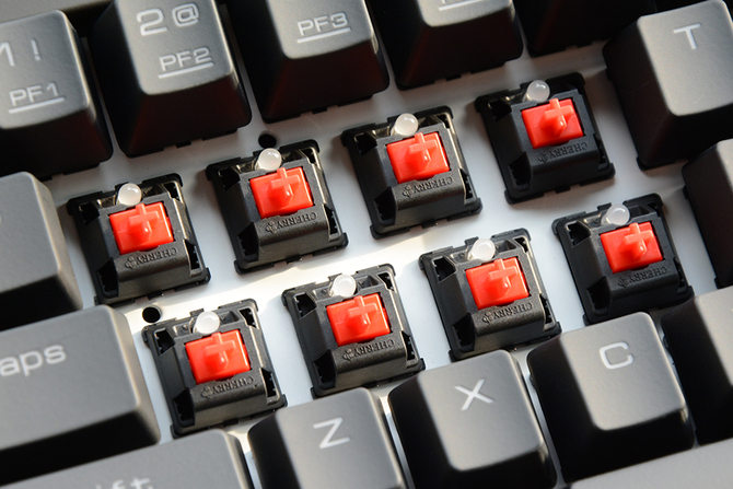 轴体及手感:CHERRY MX红轴 轻盈无比