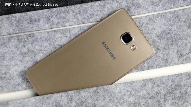 屏幕尺寸提升 2017款三星Galaxy A7现身