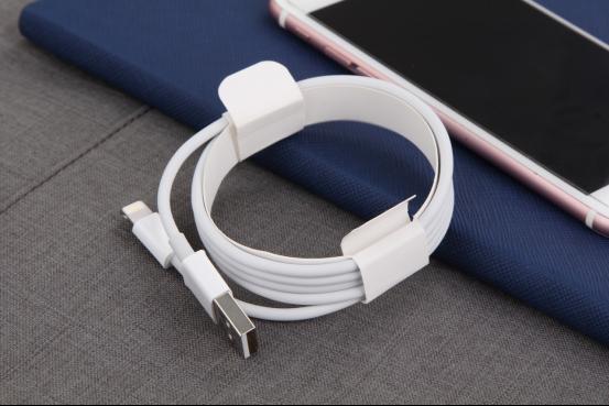 同为苹果数据线 为何有的充不了电?