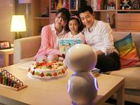 给孩子最贴心陪伴 全能小忆机器人热销