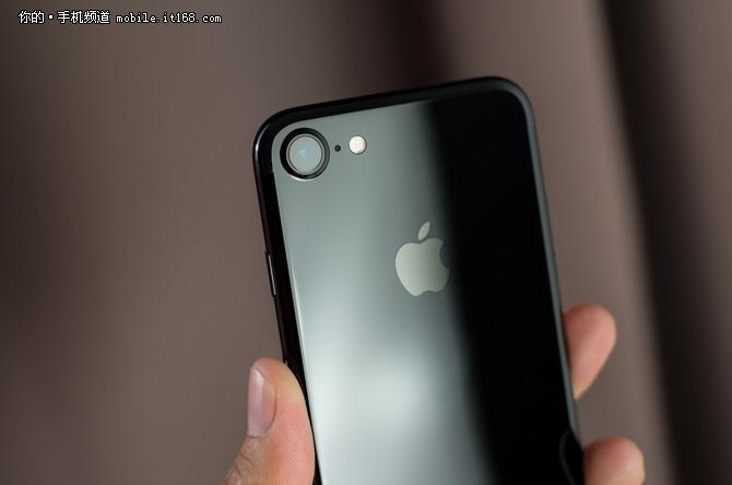iPhone 7评测——是否值得购买》?