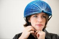 折叠式自行车头盔获2016戴森设计大奖