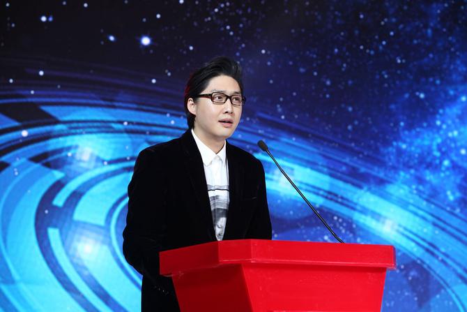 联想谋局VR战略 张艺谋杨元庆跨界对话