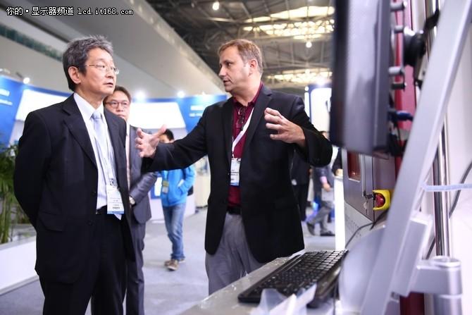 2016深圳全触显示展 看蓝宝石行业发展