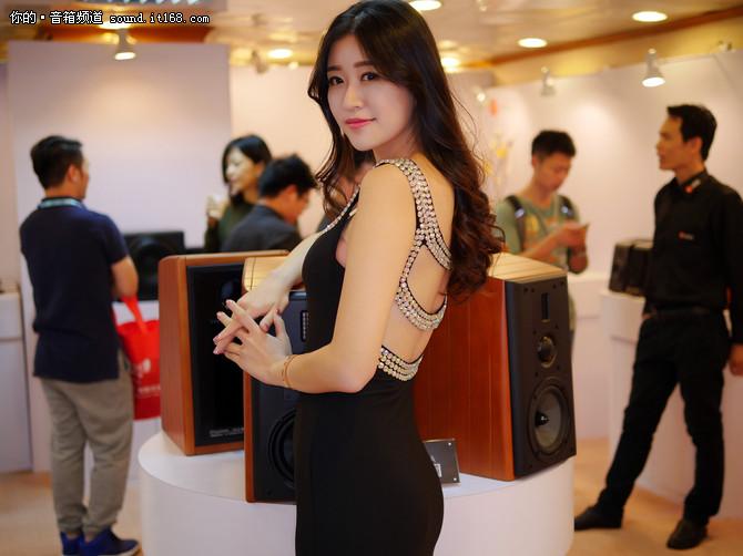 惠威新品亮相2016广州国际音响唱片展