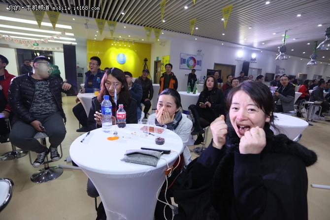 夏普联手YunOS共享世俱杯 还原现场体验