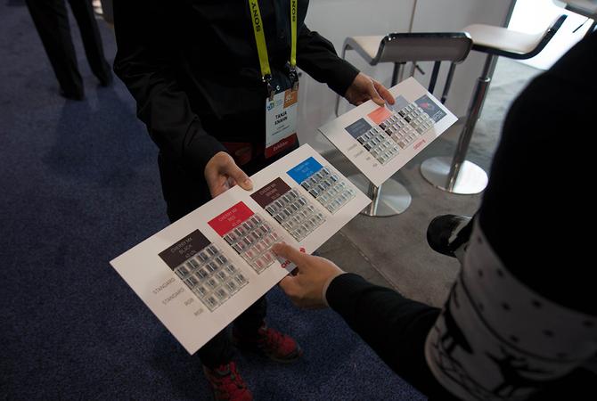 CES2017樱桃展示静音轴版本机械键盘