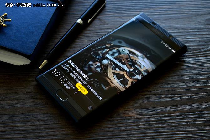春节前夕买啥好?近期热销精品手机盘点