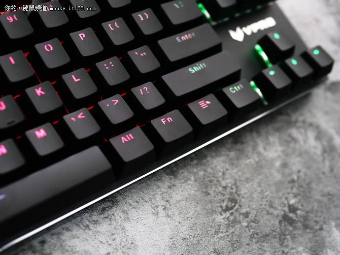 灯玩年的键盘 雷柏V500RGB合金版评测