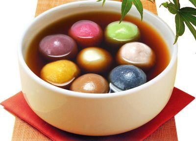 七彩汤圆挑唆吃货味蕾 炬芯小V贺元宵