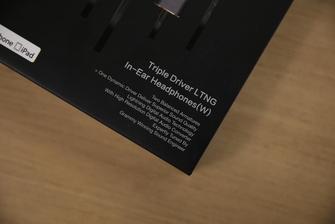 """1MORE三单元圈铁耳机""""苹果7""""版试听"""
