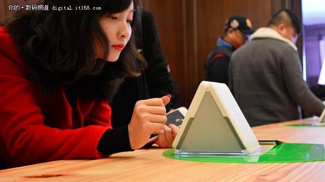 Omoidori(忆多丽)相册扫描仪突破上市