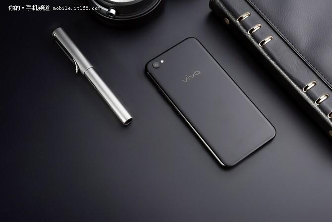 始于颜值忠于手感 vivo X9磨砂黑开售