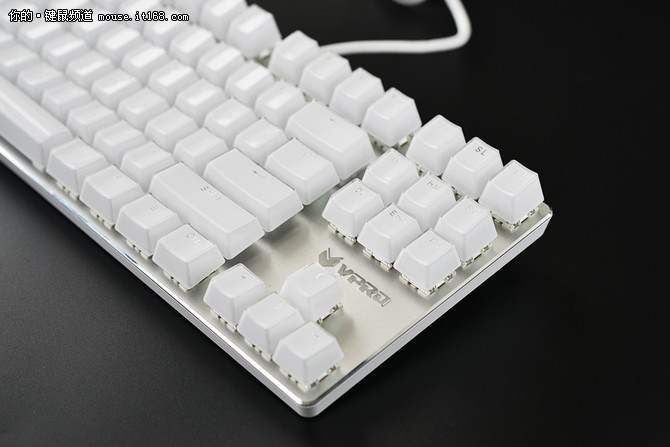 雷柏V500S冰晶版键盘评测