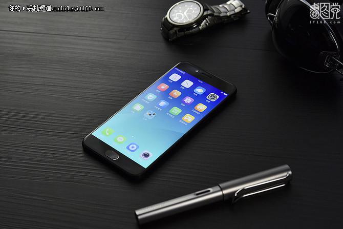 达康书记也爱它 纯黑手机凭啥成为潮流