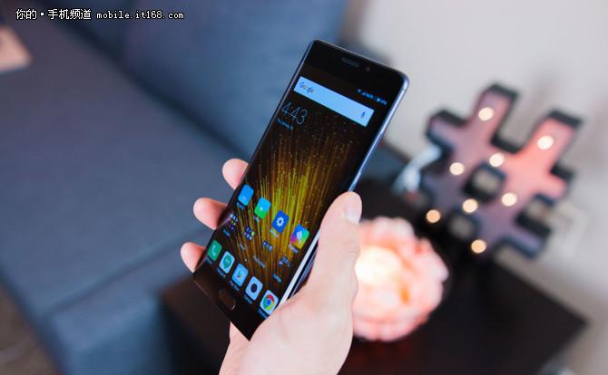 配OLED曲面屏 小米Note3或将于9月发布