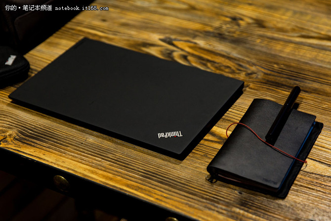 窄边框外观好评 2017版ThinkPad X1 Carbon超极本评测