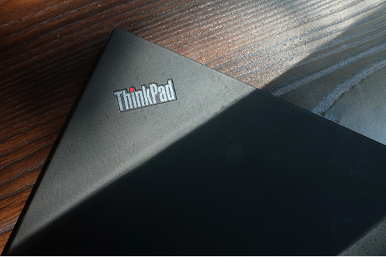 商务场面全hold住 ThinkPad T470体验