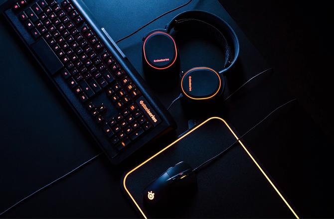 赛睿全球首款双面RGB鼠标垫京东首发