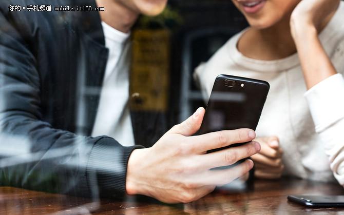 一加手机5海外发布 地表最强配置