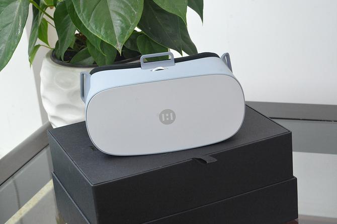 为什么VR变成了电视? 大画头戴电视体验