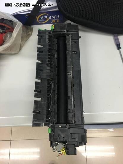 东芝256复合机复印件有黑线故障处理