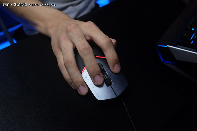 Alienware全新键鼠&显示器体验