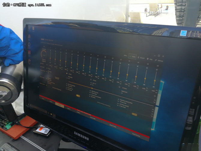 AMD处理器又爆新高:全开暴超5.2GHz