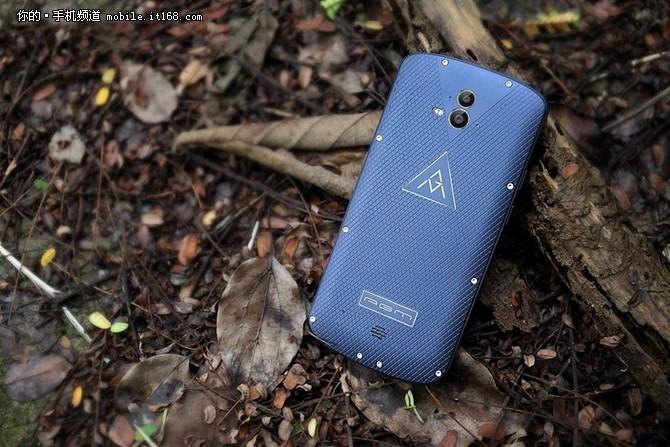 《战狼2》吴京御用手机,AGM X2火热预约中