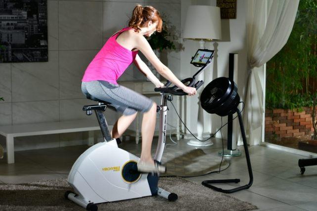整合VR系统的智能室内自行车