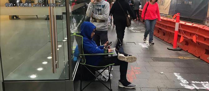 iPhone8即将发布 澳洲果粉已经排队等待