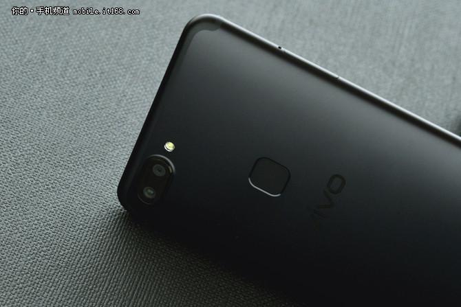 抢先iPhoneX发售的全面屏手机