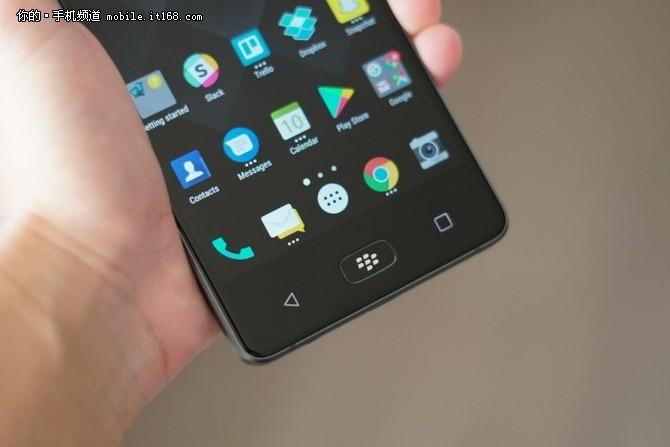 黑莓BlackBerry Motion发布 取消实体键