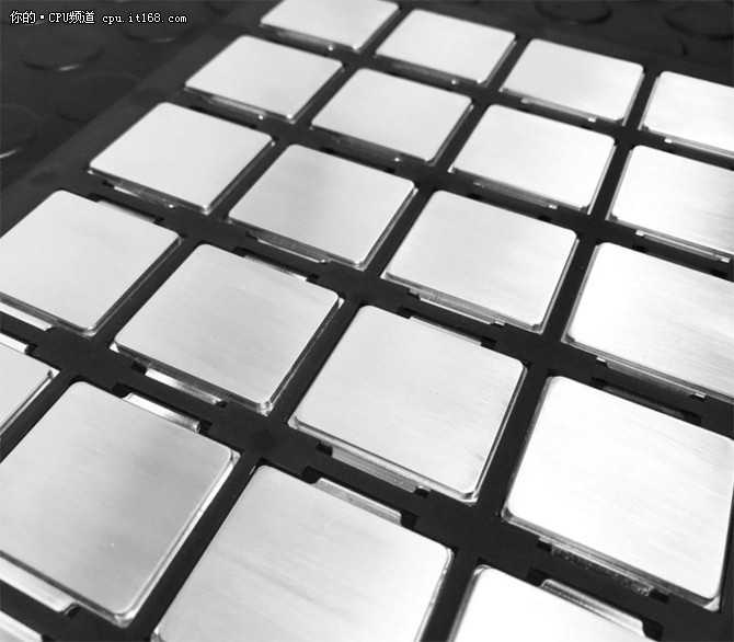 德国电商开卖液金版8700K 预超频5.2GHz