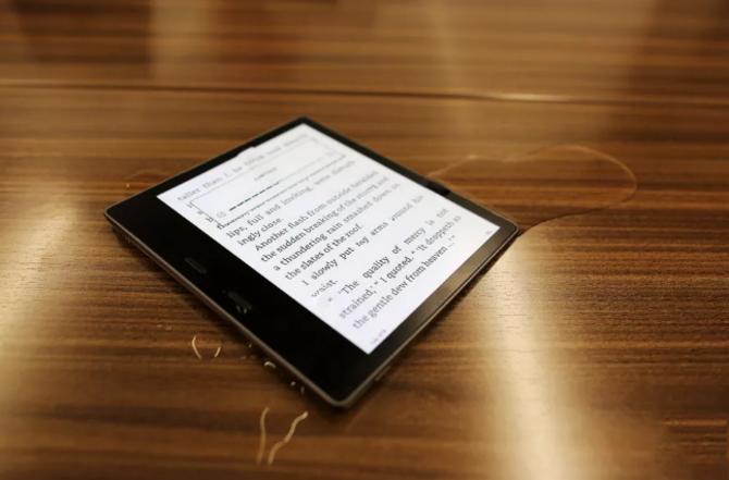 亚马逊发布全新防水Kindle Oasis
