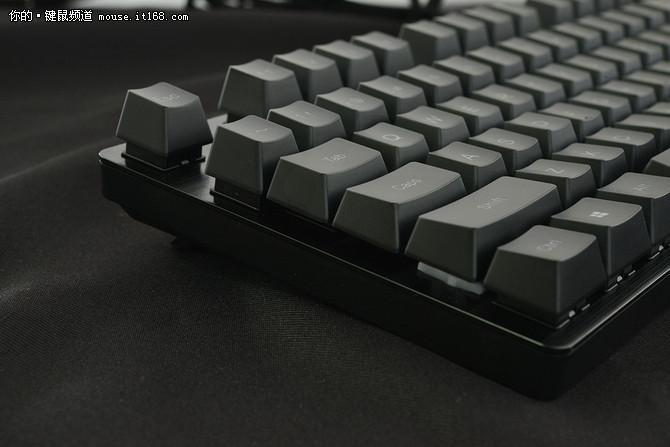 雷柏V806机械键盘评测