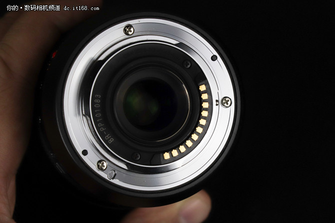 M43新专业势力 松下8-18mm设计做工点评